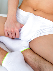 Twink boy first time cumming on video