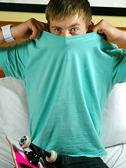 Str8 skateboard boy Josh in the bed